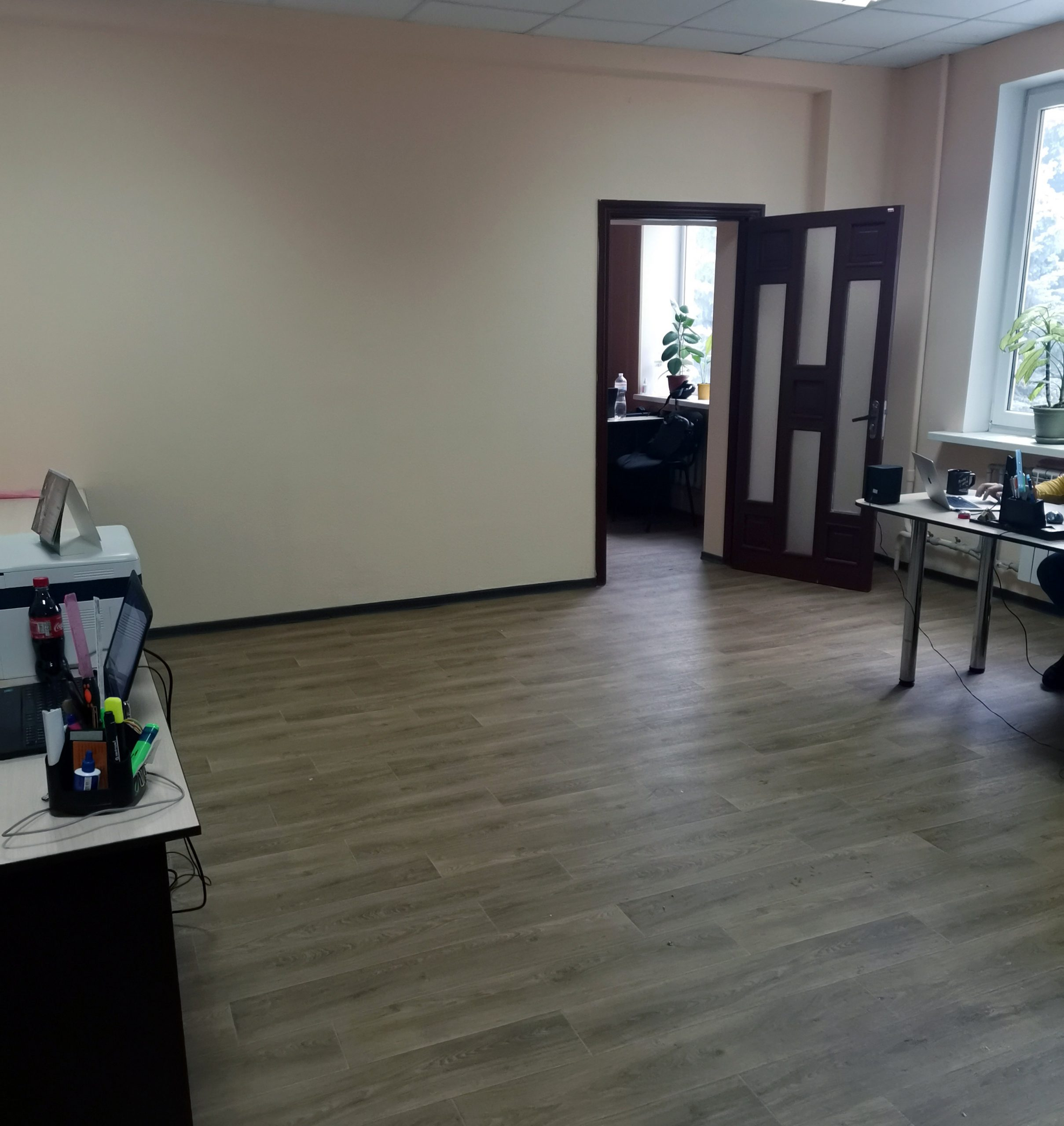 (Укр) офісні приміщення від 17,0 кв.м.