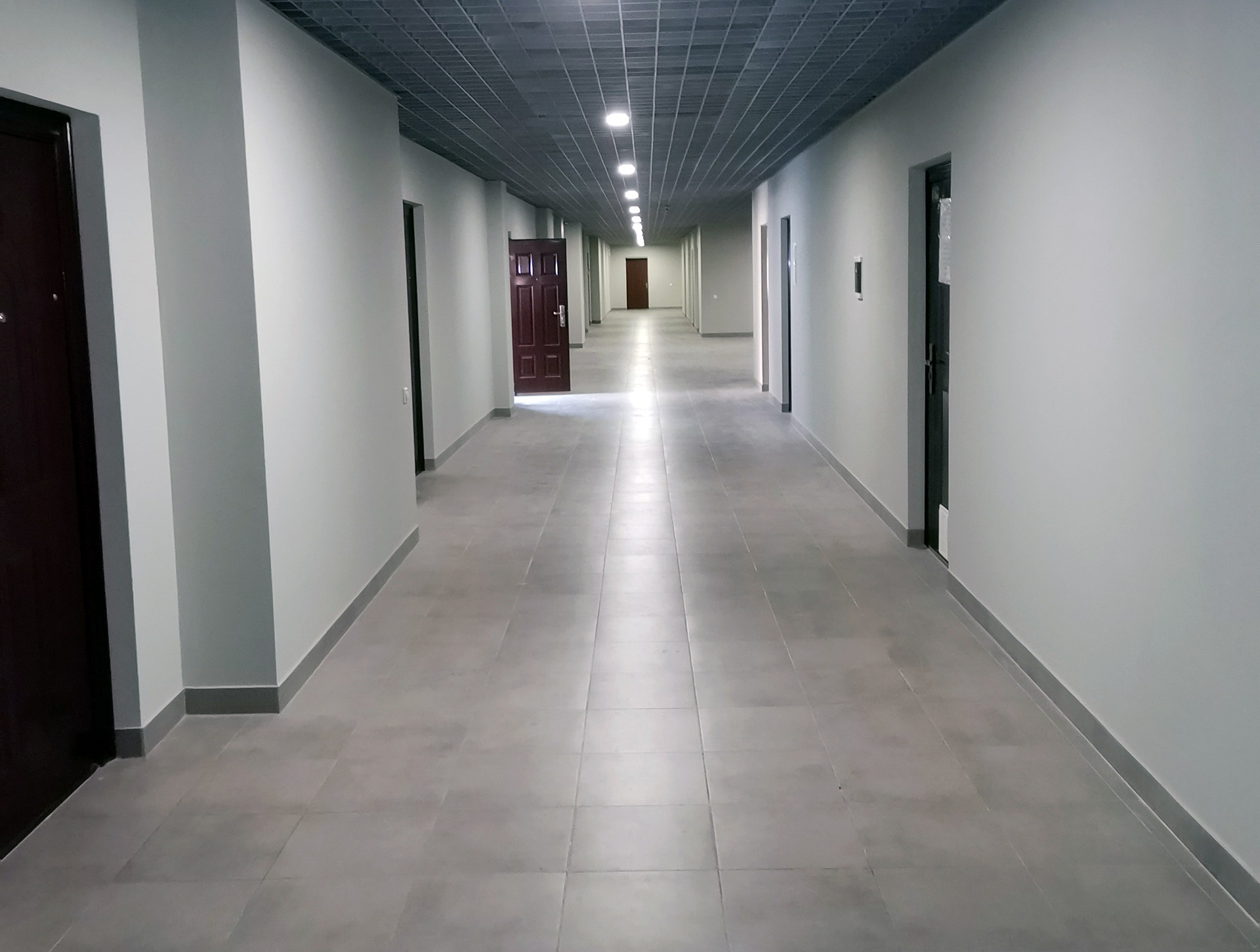 (Укр) офісне приміщення 84,0 кв.м